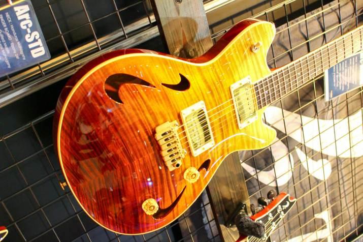 T's GUITARSギター1