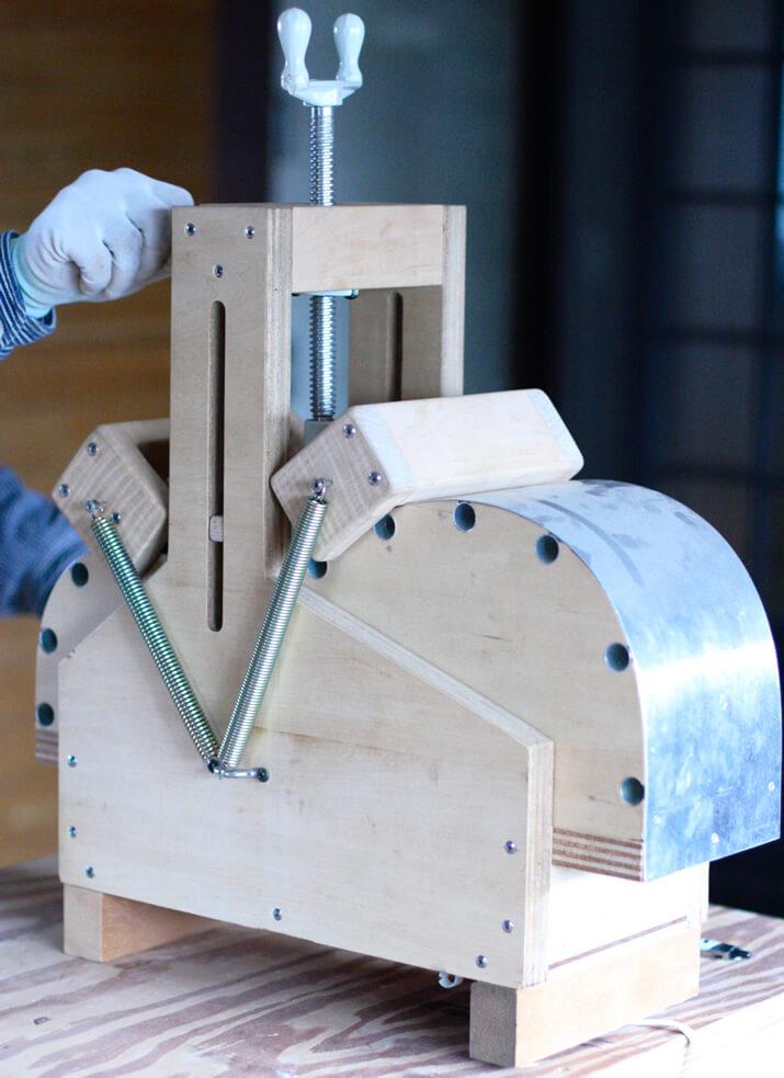 アコギのサイド材を曲げる道具