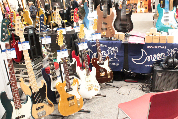 Moon Guitarsブース