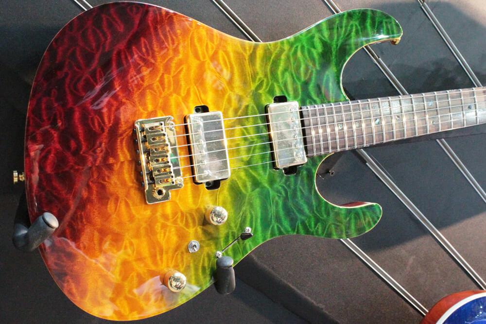 レインボーカラーのギター