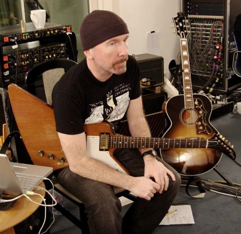 Guitar-Rigs.com U2 The Edge in Studio with Gibson Explorer