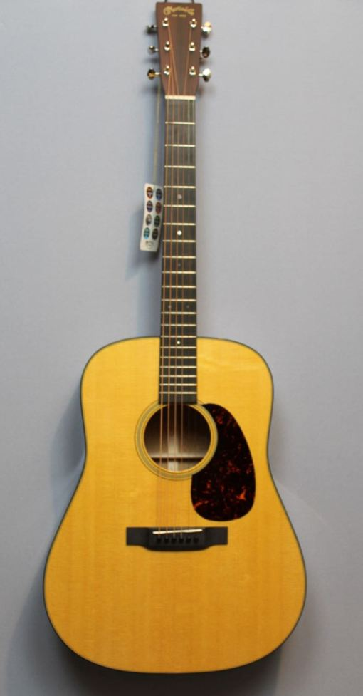Martin Guitars im American Guitar Shop 2