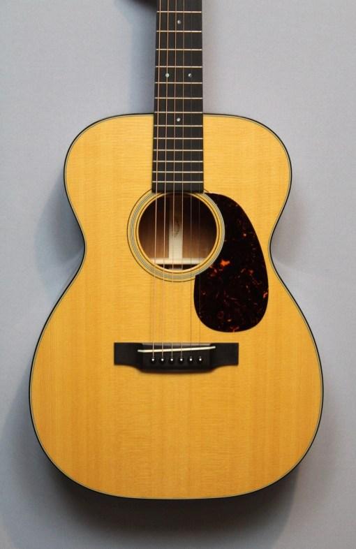 Martin Guitars 12