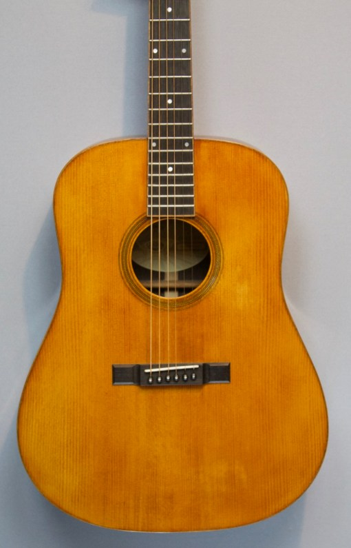 Larson 1934 Heritage D Amber Westerngitarre