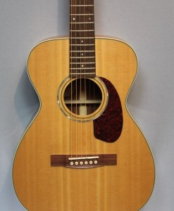 Guild M-140 NAT Westerngitarre2