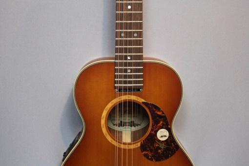 Maton Mini EMD12 – American Guitar Shop - Gitarren in Berlin Guitar Shop