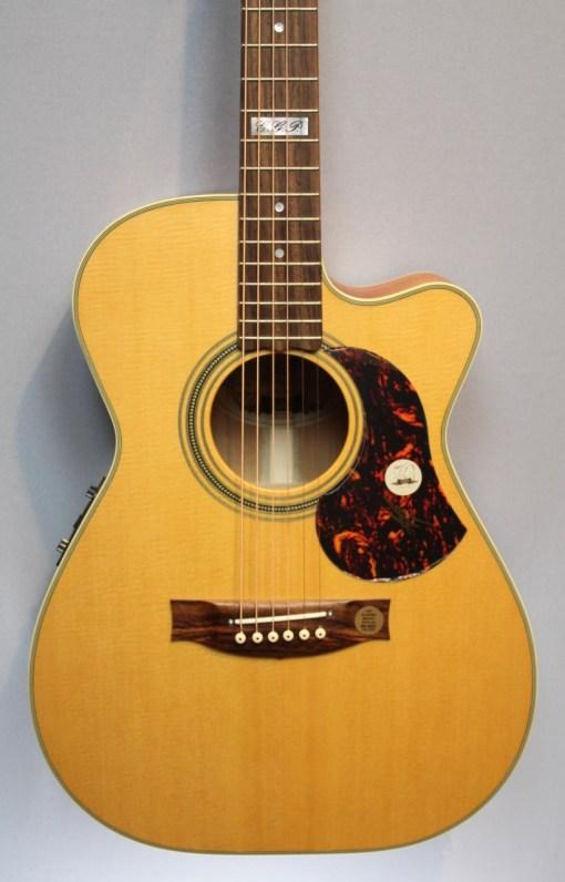 Maton EBG808TEC Gitarre Berlin 14