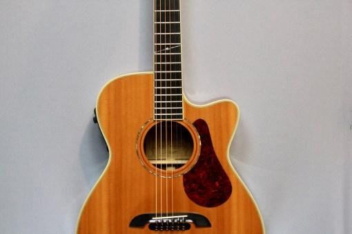 Alvarez FYM95C Aura Cutaway OM Folk Gitarre Berlin