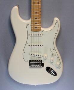 Fender Standard Strat MN AWT 4