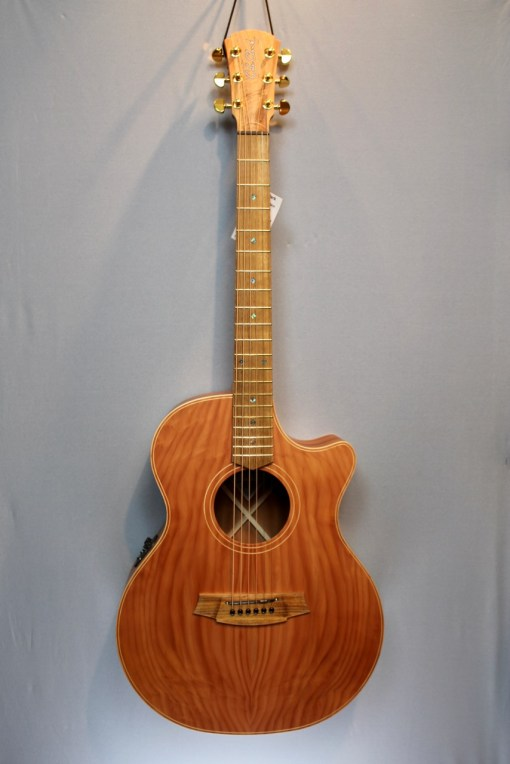 Cole Clark AN2EC-RDMAH Redwood Top with Mahogany Back and Sides 3