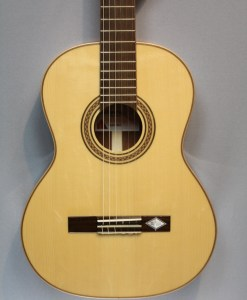 La Mancha Rubi S 53 Gitarre für Anfänger 5