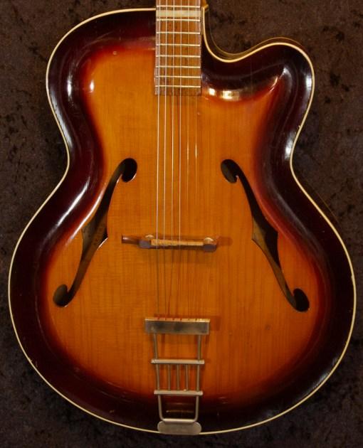 Roger Jazzgitarre 6