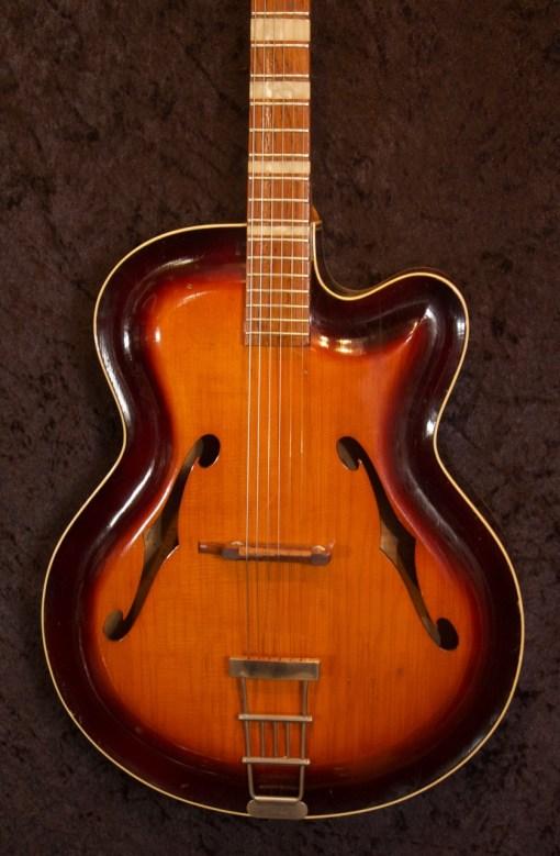 Roger Jazzgitarre 5