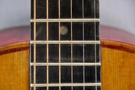 Alte Parlour Gitarre 8
