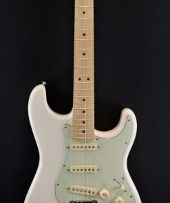 Fender Deluxe Roadhouse Strat OWT