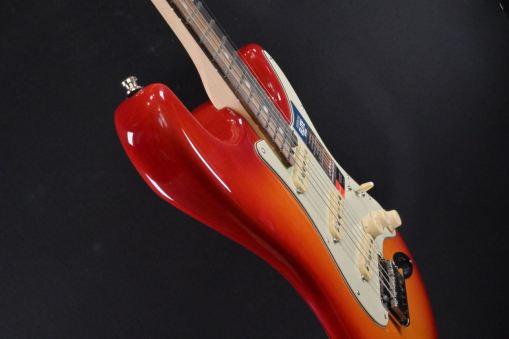 Fender AM Elite Strat EB ACB