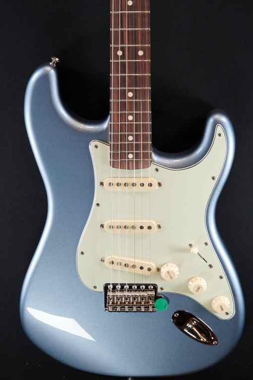 Fender Vintera 60s Strat IBM