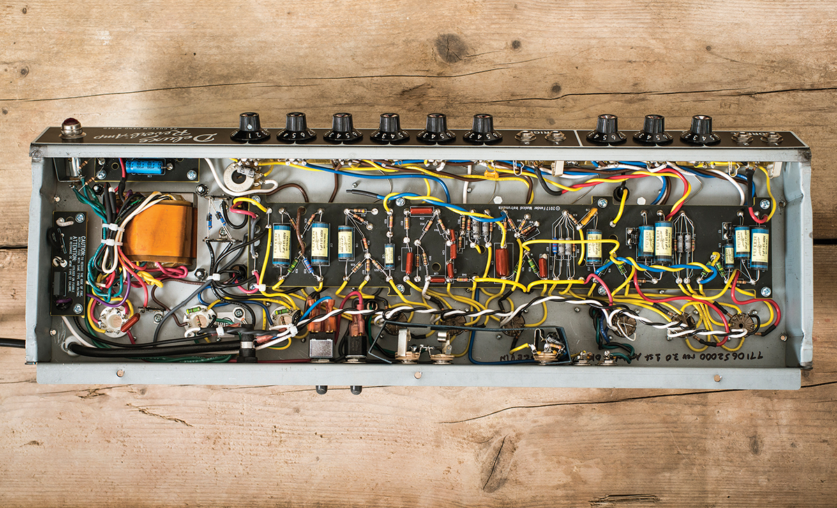 hight resolution of there s some noticeable hiss sharing the reverb over two channels created a similar issue with the custom vibrolux reverb reissue