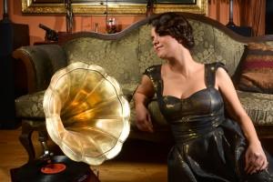 Gramophone_Lady