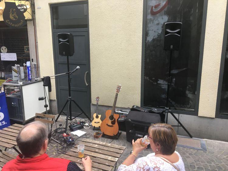 En rue, en Neuvice ... fin du soundcheck.