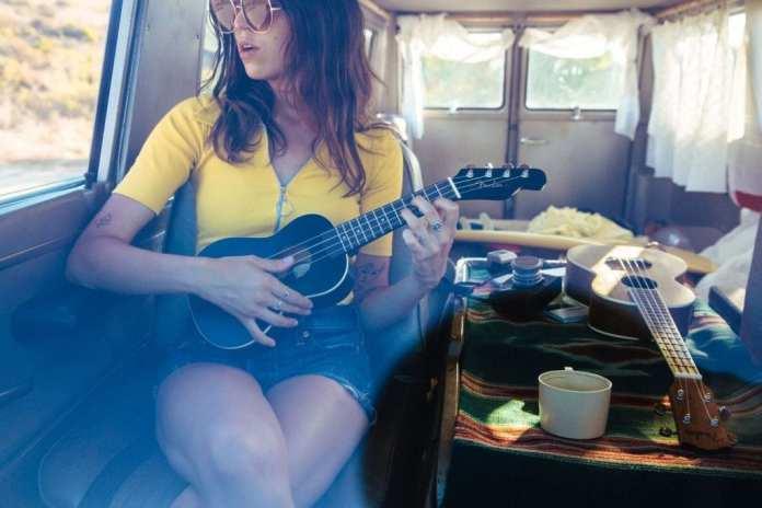 Fender_Ukulele_Lifestyle_117
