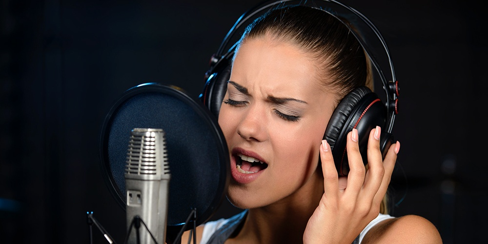 5 Tips on How to Improve Your Vocals - Guitar Girl Magazine