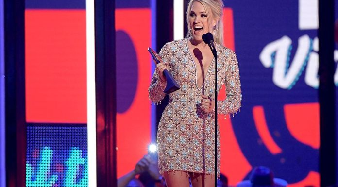 Carrie Underwood wins twice at CMT Awards 2019
