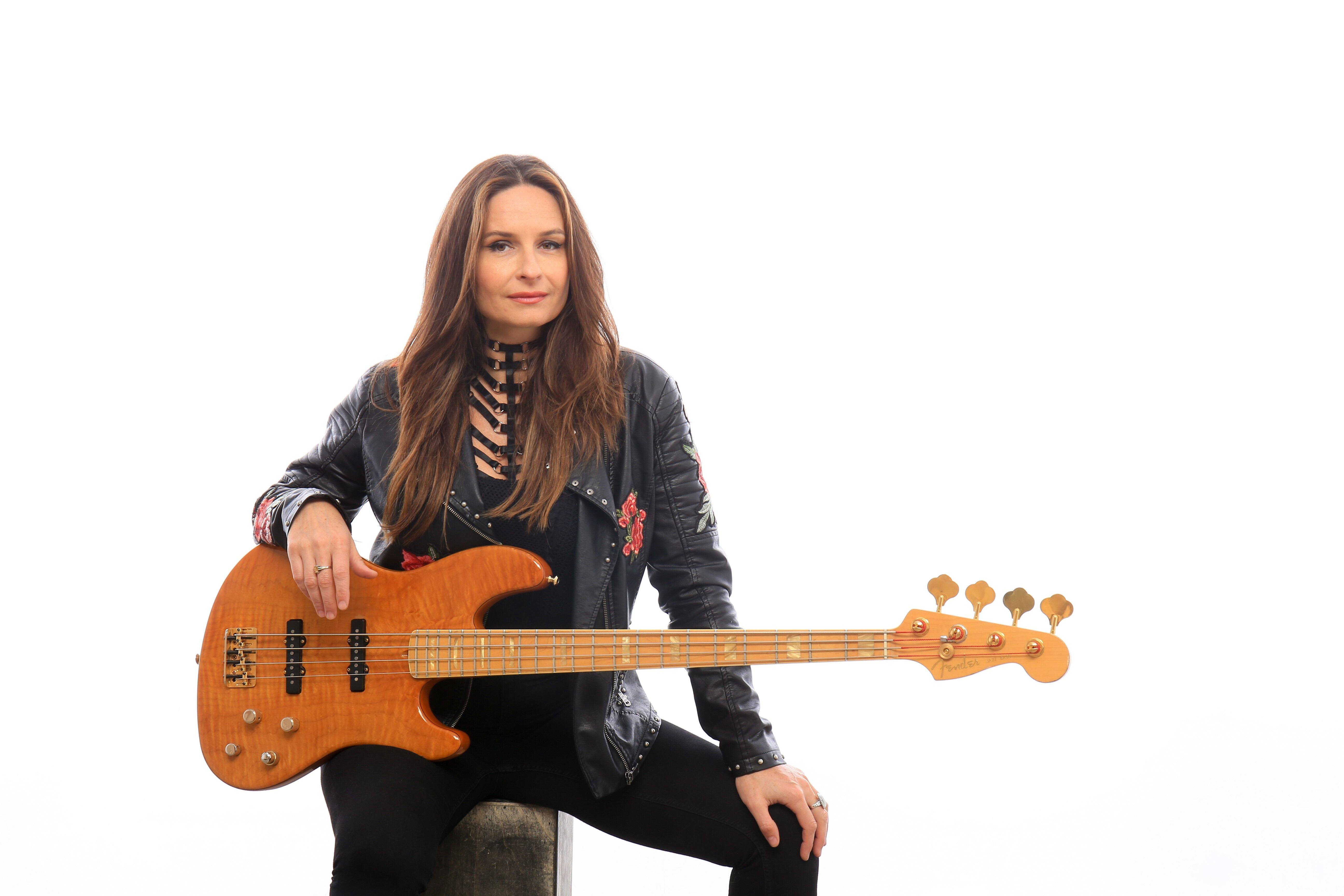 Angeline Saris: A Journey to her Happy Place - Guitar Girl