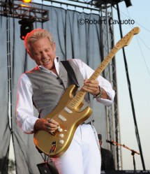 Don Felder Brings Evening Hotel California