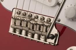 john-mayer-signature-guitar-silver_sky_8