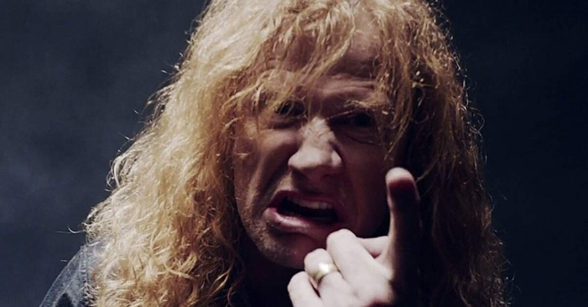Dave Mustaine apontando o dedo para a câmera