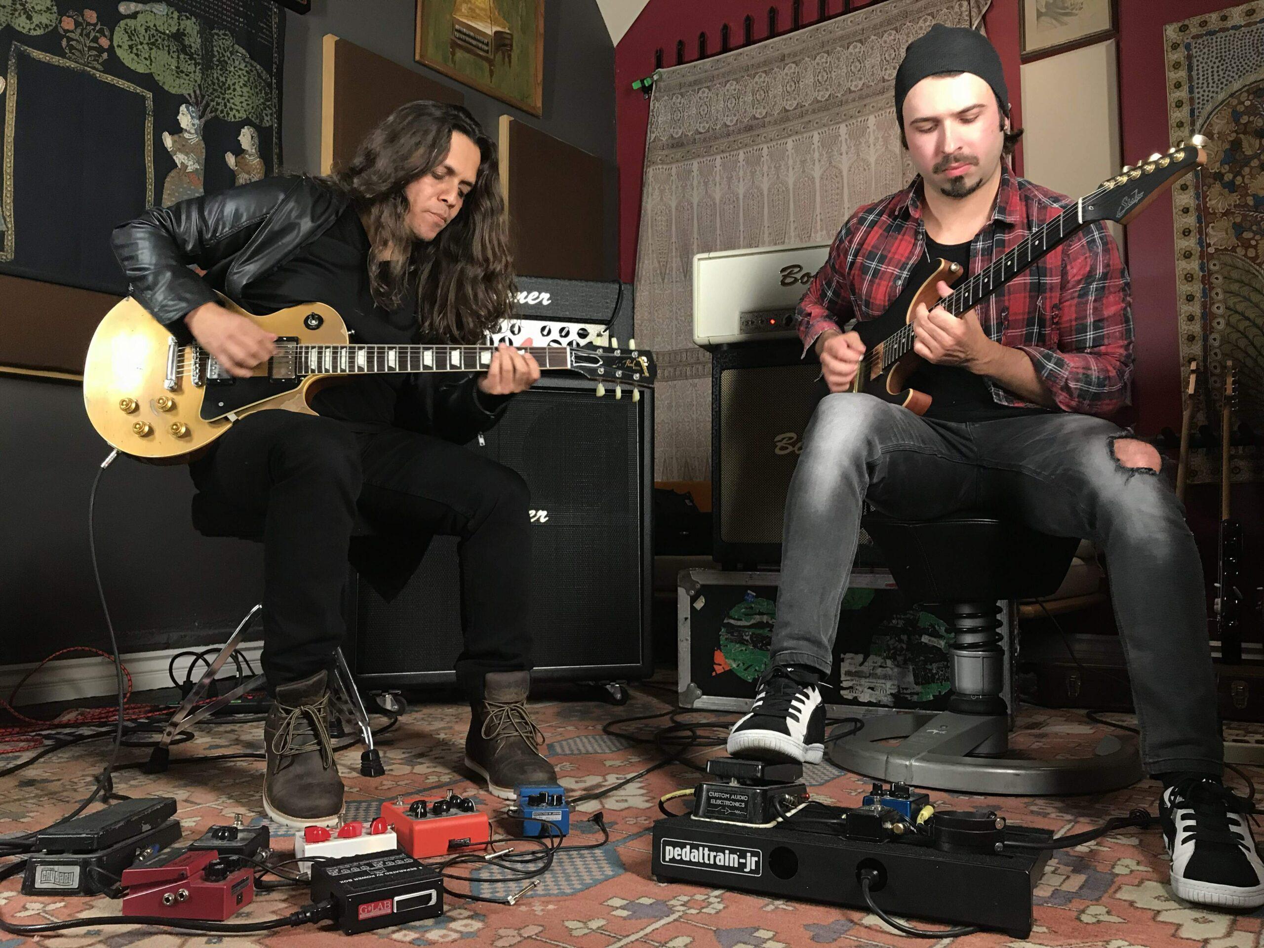 Ricardo Marins tocando com André Nieri