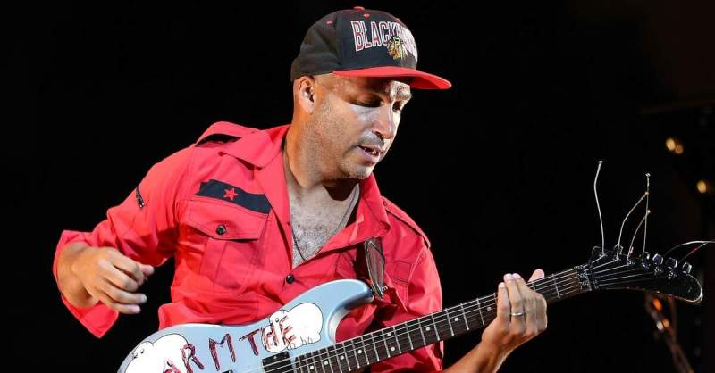 Tom Morello tocando ao vivo