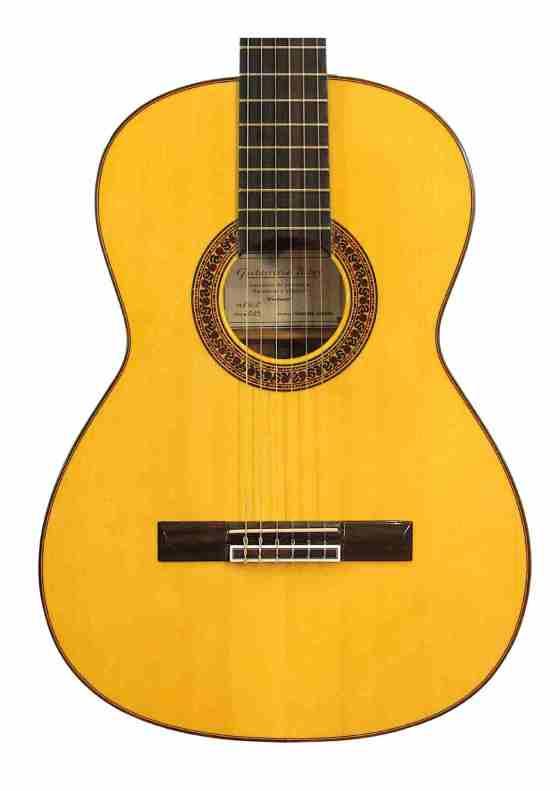 Guitarra Nogal Flamenca Tapa