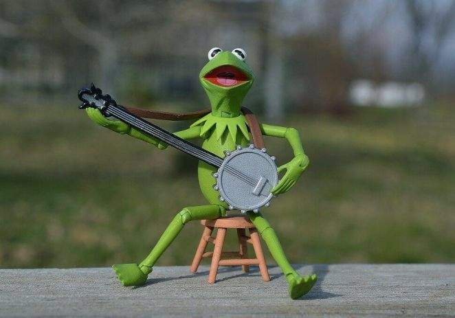 Children should relate to playing banjo to fun in order to get them motivated.