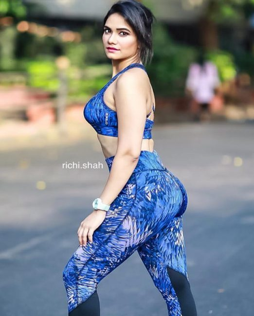 Bio Facts Family Life Of Swimsuit Model: Richi Shah, Age, Height, Biography, Boyfriend, Weight