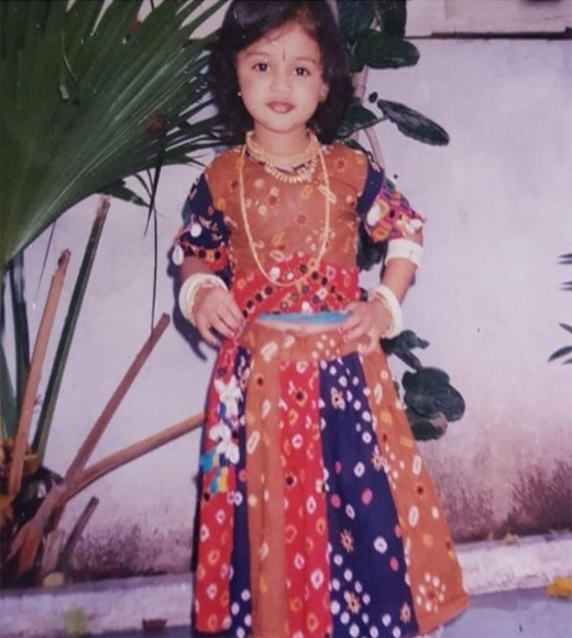 actress janki childhood photo
