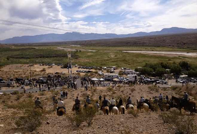 http://gulagbound.com/wp-content/uploads/2014/04/BundyRanch-horseback-confrontation.png