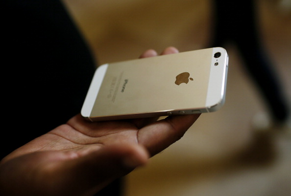 Apple Poised to Sell 10 Million IPhones in Record Debut