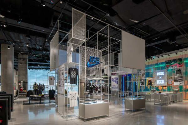 nouveau style c726c 10bed Pictures: Largest Nike store in the Middle East opens in ...