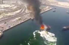 Video: Dramatic footage of a boat on fire in Dubai's Deira port