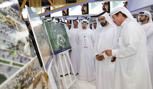 Sheikh Mohammed at the Falcon City of Wonders stall