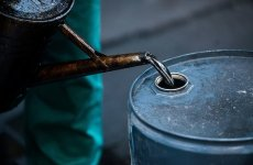 OPEC works on deal to cut oil output, still needs Russia on board