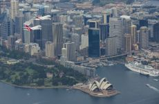 VIDEO: Emirates, Qantas A380s In Sydney Flyover