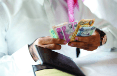 Exchange houses hold talks with UAE Central Bank over new rules