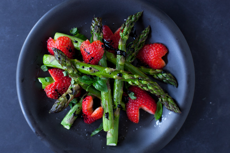 Homemade Romantic Dinners - Balsamic Strawberry Asparagus