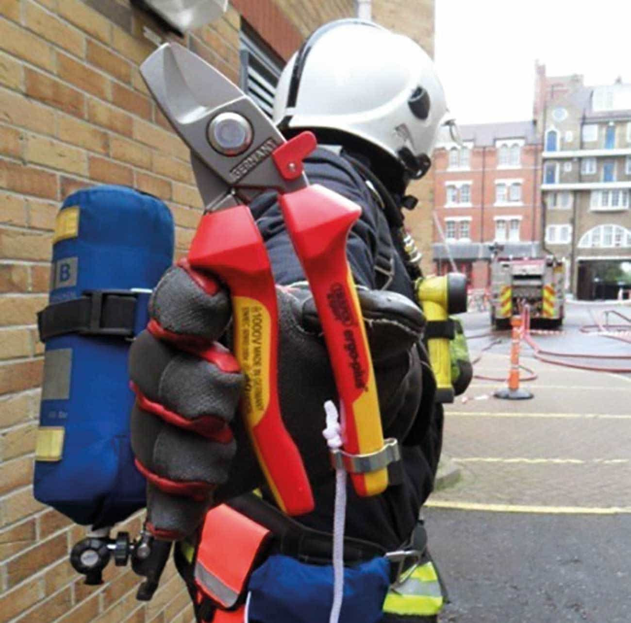 The new breathing apparatus covers with straps and cable cutters and pouch, with have been fitted as ancillary equipment to all BA sets.