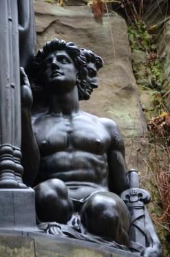 Detalj från Wagnerdenkmal, Nikkor.