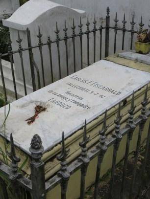 Carlos Fitzcarralds gravsten.