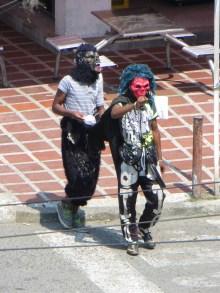 Diablitos dansar och tigger pesos...